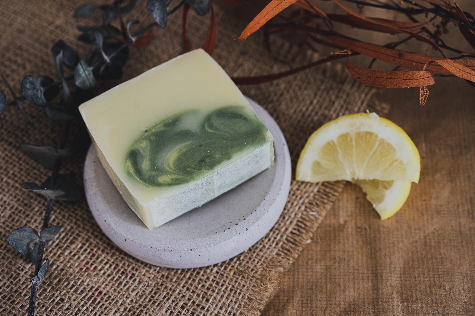 savon-verveine-eucalyptus-citronne-percé-verre